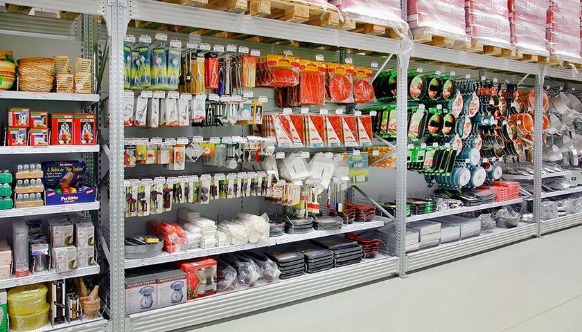 Scaffali per negozi scaffalature metalliche negozi e punti vendita