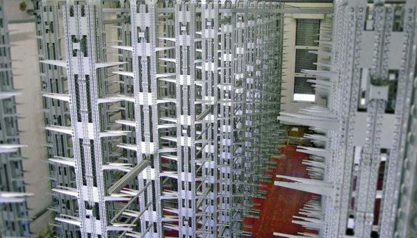 scaffalature cantilever stoccaggio carichi lunghi
