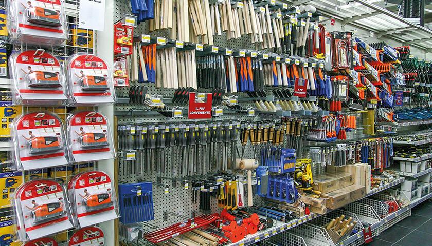 scaffali per negozi di ferramenta e fai da te